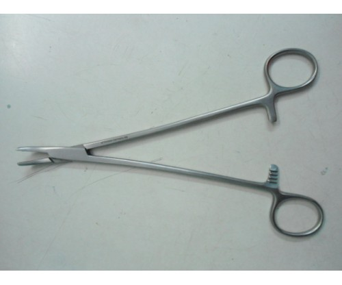 "Needle Holder 5"" Cur."